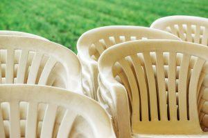 כסאות פלסטיק לאירועים